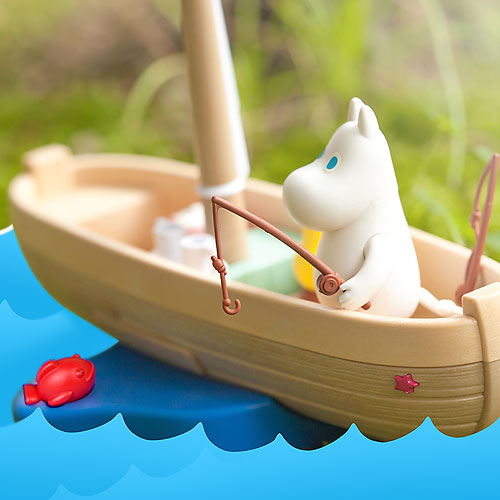15755 Moomin with boat
